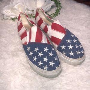 Steve Madden Liberti Sneakers ❤️